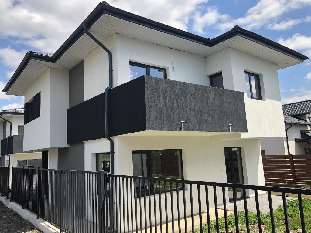 https://www.partener-imobiliare.ro/ro/vanzare-houses-villas-4-camere/miroslava/canalizare-la-asfalt-vila-4-camere-miroslava-primarie_174
