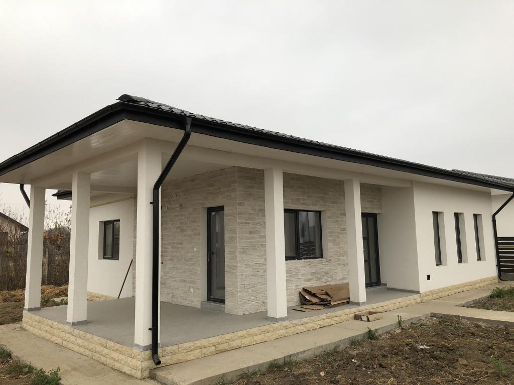 Casa 3 camere, la ASFALT, 460 mp teren,Miroslava-Valea Ursului