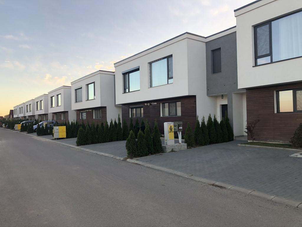 https://www.partener-imobiliare.ro/ro/vanzare-houses-villas-4-camere/valea-lupului-iasi/canalizare-asfalt-vila-4-camere-popas-pacurari-valea-lupului_425